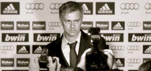 Jose-Mourinho-durante-presentacion-nuevo-entrenador-Real-Madrid
